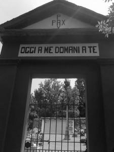 Ingresso al cimitero di Laietto