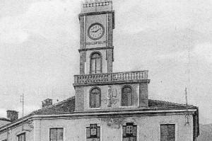 Condove - anno 1926 - la nuova torre civica con orologio sul palazzo comunale