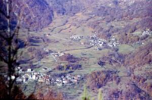 Anno 1980 - Laietto e Pratobotrile ripresi da Celle (foto Silvano Gallino)