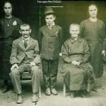 I Pautasso dou Ieun, da sinistra seduti Pautasso Battista e Versino Angela, dietro in piedi da sinistra Pautasso Gasperina, Antonio e Giuseppina