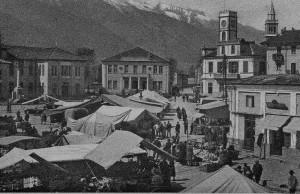 Condove - anno 1940 - Piazza Vittorio Emanuele II - Il mercato