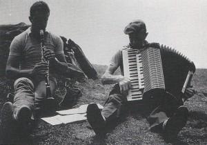 Cinato Giorgio e Pettigiani Candido musicisti di Laietto alla festa del Collombardo