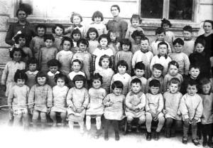 Asilo Perodo - anno 1936/37 - tante bambine sono della leva 1932